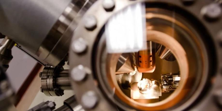 PHI 5800 X-ray Photoelectron Spectrometer