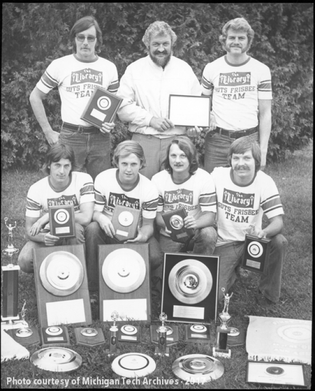 The Library Bar Guts Frisbee team, 1979.