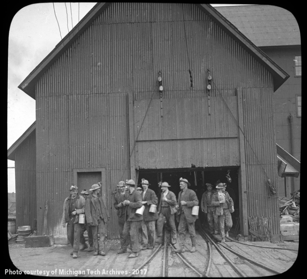Miners leaving the shaft, 1915.