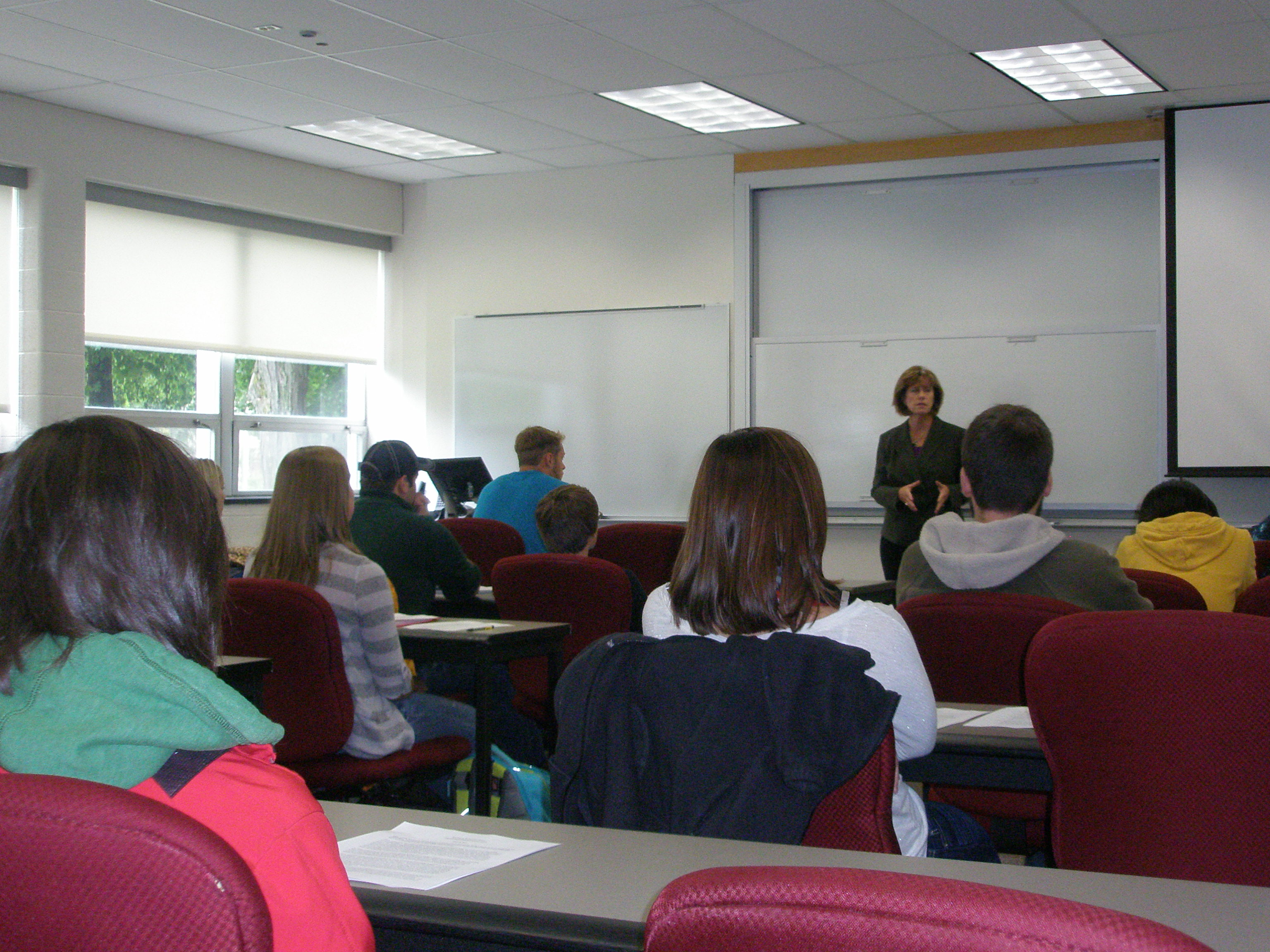 Barbara Johnson-Rossi, former CFO for Essentia Health, speaks to Michigan Tech's accounting students.