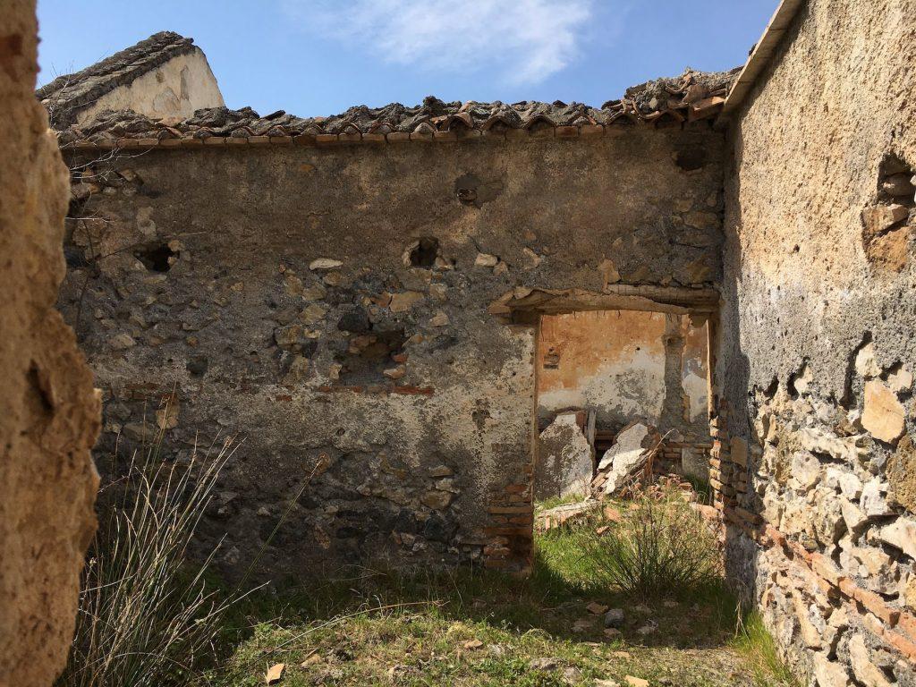 Ruins of a buiding in Grenada, showing an open doorway