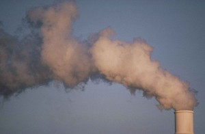800px-Air_pollution_smoke_rising_from_plant_tower