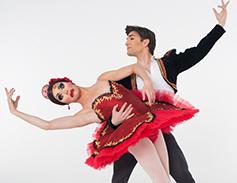 Two Les Ballets Trockadero dancers